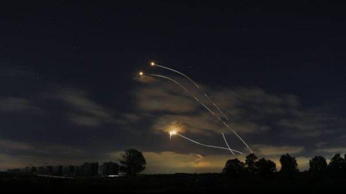 Bukan Cuma dari Gaza, Tiga Roket Juga Ditembakkan dari Lebanon ke Israel
