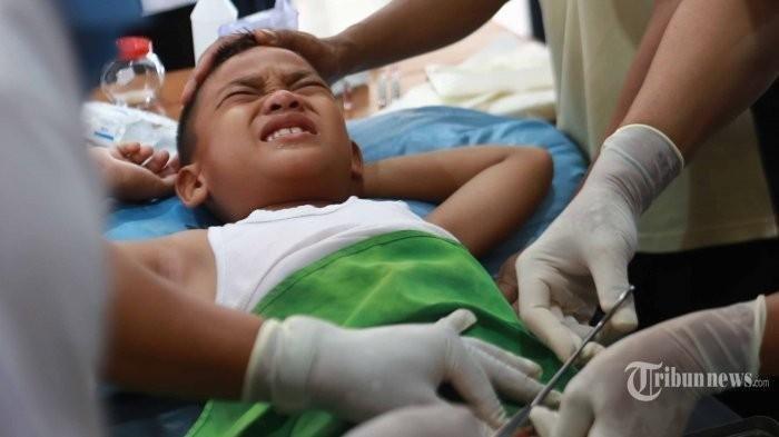 Bocah 3 Tahun Disunat Selama 4 Jam, Orang Tua Pingsan Saat Melihat Kelamin Sang Anak Putus