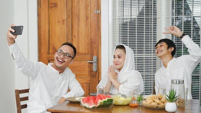 Tips Berlebaran di Rumah Bersama Keluarga agar Tak Mati Gaya
