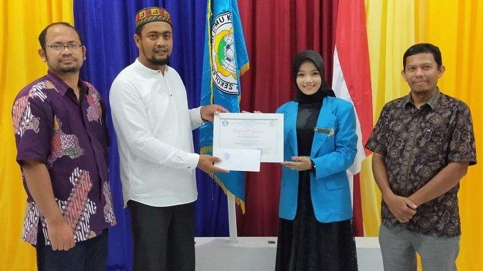 Wakili Aceh ke Pemilihan Putri Kebudayaan Nusantara2021, Intan Terima Ini dari STIKes Bumi Persada