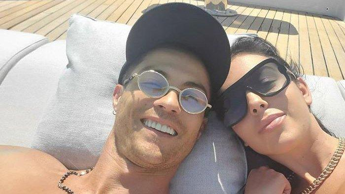Ronaldo dan kekasihnya, Georgina Rodriguez.