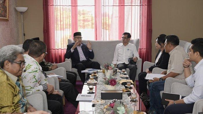 Plt Gubernur Aceh Terima Investor Pengolahan Pakan Unggas, Siap Tampung Jagung Petani Lokal