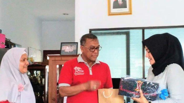 Sambal Aceh dan Dompet Motif Aceh Untuk Istri Wagub Banten, Ini Makna 'Buah Tangan' Tersebut