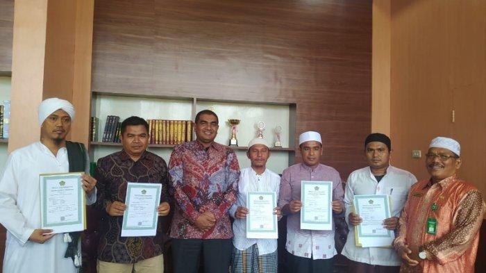 Lima Pesantren di Aceh Singkil Terima Izin Operasional, Diserahkan Kakankemenag Saifuddin
