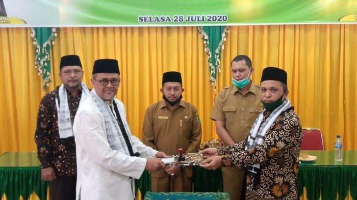 Kemenag Aceh Timur Gelar Serah Terima Jabatan Kepala Kantor dari H Arijal ke H Salman