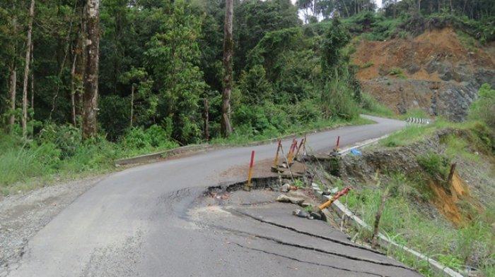 Hati-hati, Ada Titik Jalan Nasional Beutong-Takengon yang Amblas