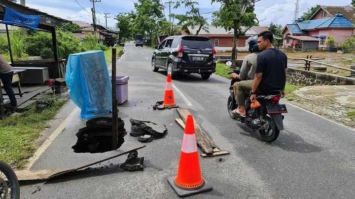 Jalan Amblas, Pengguna Jalan di Sinabang Diimbau Hati-hati Melintas