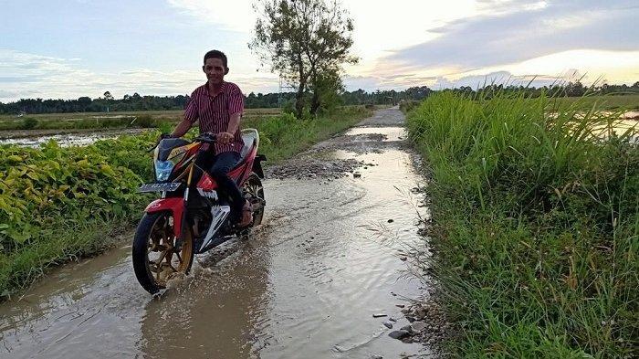 Anggota DPRK Klaim Sudah Usulkan Perbaikan Jalan Rusak di Tangan-Tangan, Hamdani: Akan Saya Cek Lagi