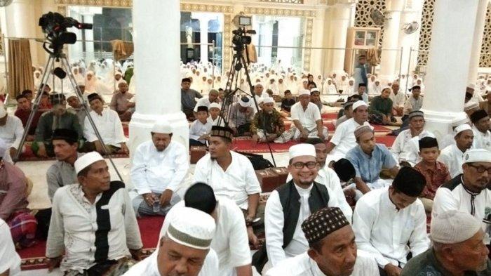 Ribuan Jamaah di Bireuen Hadiri Zikir Akbar dan Tausiah, Dalam Rangka Sambut Bulan Suci Ramadhan