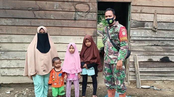 Kopral Satu Ismail, Mengetuk Empati untuk Rehab Rumah Janda Miskin Beranak Empat di Karangbaru