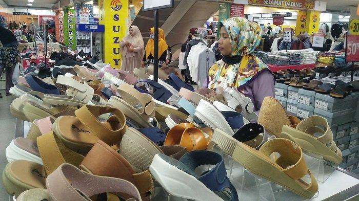 Jelang Lebaran Idul Fitri 1441 H, Suzuya Mall Bireuen Mulai Dipadati Pengunjung