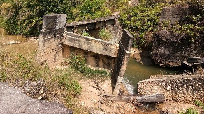 Jembatan yang Patah Diterjang Banjir Bandang Tiga Tahun Lalu di Singkil belum Diperbaiki