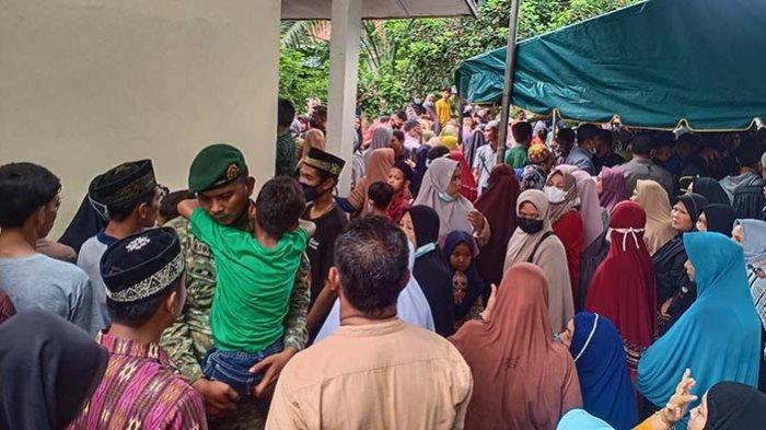 Isak Tangis Sambut Kedatangan Jenazah Putra Aceh yang Gugur di Papua
