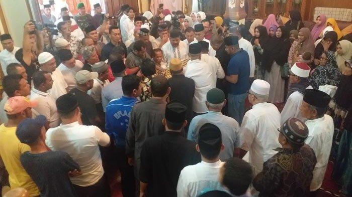 Almarhum H Saifannur S Sos Bupati Bireuen, Dishalatkan di Masjid Besar Peusangan