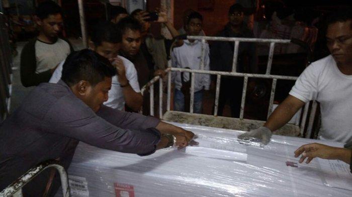 Jenazah Korban Kesetrum Listrik di Malaysia Tiba di SIM, Malam Ini Dibawa ke Kampung Halaman