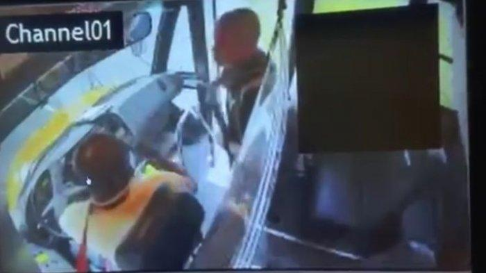 Pembajak Ini Pusing dan Kabur Setelah Anak-anak dalam Bus yang Dibajak Banyak Bertanya