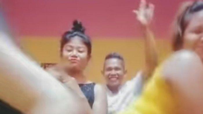 Beredar Video Joget TikTok Napi Wanita dan Pria di Lapas, Begini Nasib Kalapas Pariaman