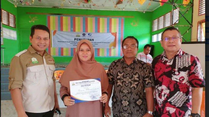 Kisah Maulidar, Jebolan Pogram FKJP Disnakermobduk Aceh yang Kini Sukses jadi Penjahit Pakaian