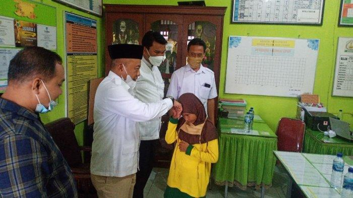 Bersaing dengan 4 Negara, Murid SD di Aceh Tamiang Juara Pantun Internasional, Dinas, DPRK Apresiasi