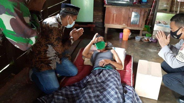 Polres Langsa dan Jajaran Bantu 100 Paket Sembako Jumat Berkah Kepada Lansia