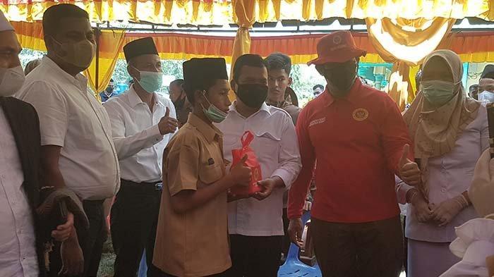 Kabinda Aceh Bersama Wali Kota Langsa dan Forkopimda Vaksin Door To Door ke Rumah Warga