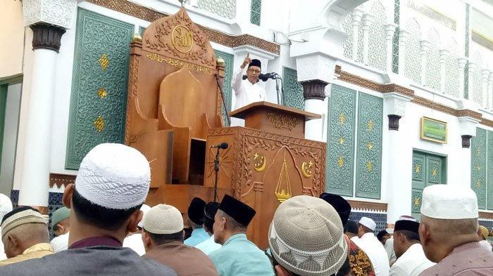 Ceramah di Masjid Raya Baiturrahman, Daud Pakeh: Jangan Contoh Puasa Ular, tapi Contohlah Puasa Ulat