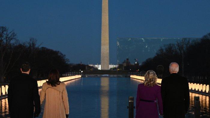 Sebelum Pelantikan, Joe Biden dan Kamala Harris Kunjungi Lincoln Memorial untuk Lakukan Ini