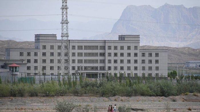 China Mobilisasi Tentara Etnis Han Gusur Muslim Uighur, AS Jatuhkan Sanksi ke Perusahaan Paramiliter
