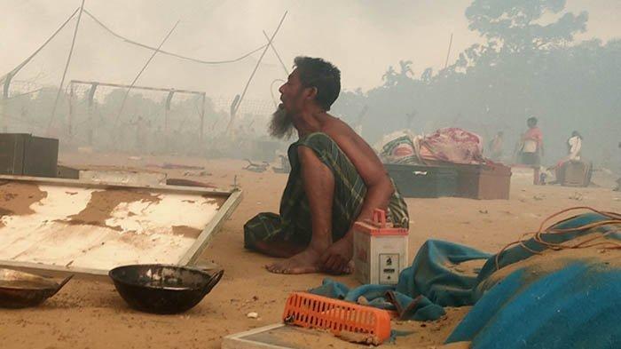 Kamp Pengungsi Rohingya Terbakar, 15 Orang Tewas dan 400 Lainnya Belum Ditemukan