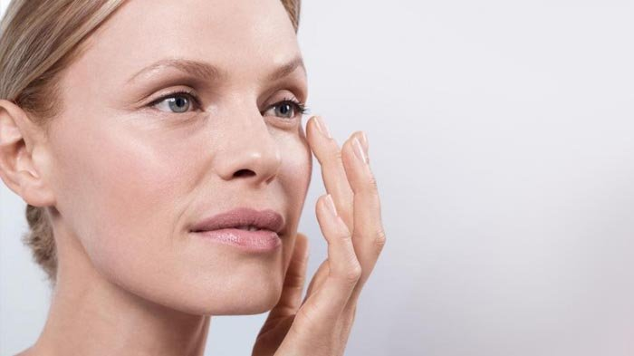 Tips Menghilangkan Kantung Mata, Manfaatkan 4 Bahan Alami Ini Serta Cara Pemakaiannya