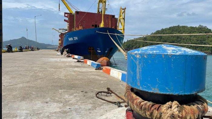 Kapal Han Zhi Asal Singapura Bersandar di Pelabuhan Aceh Jaya, Ini Tujuannya