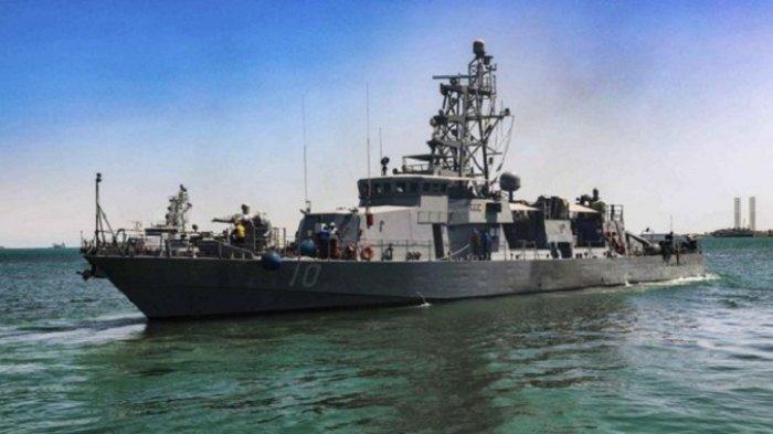 Kapal Perang AS Lepaskan Tembakan Peringatan ke Kapal Perang Iran di Teluk Arab