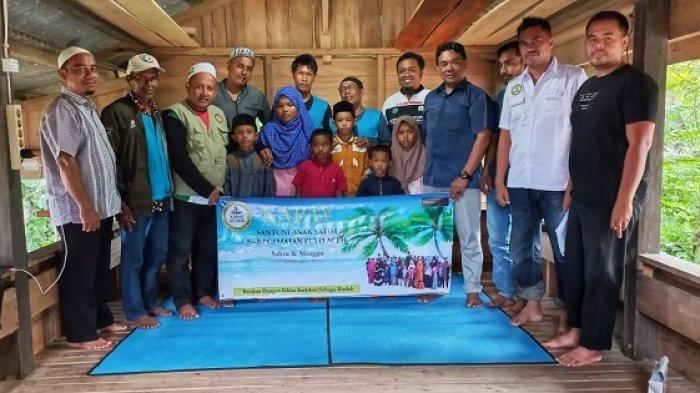 Kapay Santuni 88 Anak Yatim Pulo Aceh, Mawardi 'Bahasa Aceh Jeut Dron' Diikutkan dalam Kunjungan Itu