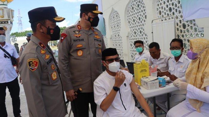 Kapolda Aceh Cek Vaksinasi Merdeka di Masjid Raya Baiturrahman, Target Ribuan Orang