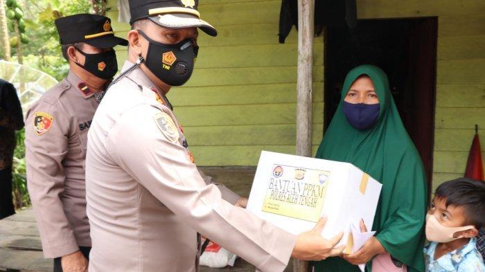 Kapolres Aceh Tengah Bagikan Bantuan SembakoUntuk Warga Kurang Mampu
