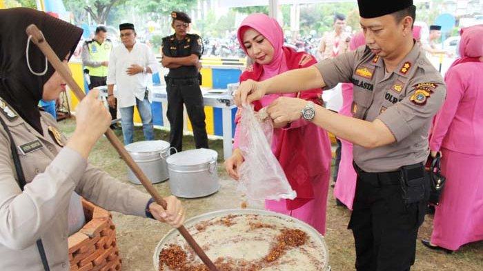 Kapolres Bagi Kanji Rumbi di Islamic Center