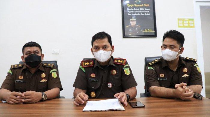 BREAKING NEWS - Jaksa Tetapkan Mantan Kadinsos Subulussalam dan Konsultan Tersangka Kasus RTLH