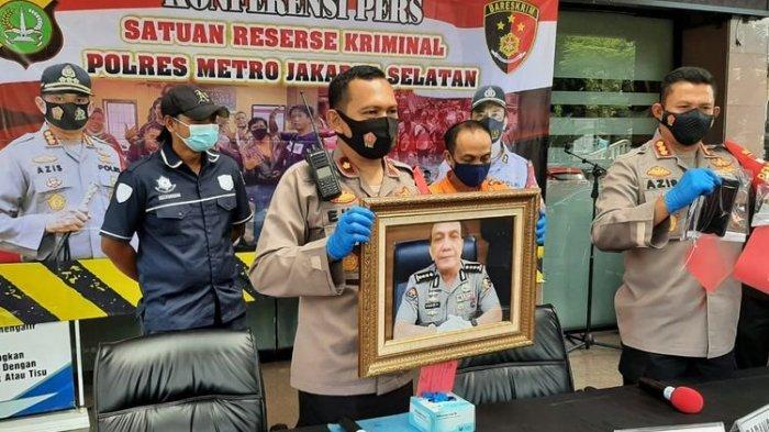 Polisi Gadungan Ditangkap, Mengaku Kapolres, Tipu Korban Rp 1,7 M, Dibongkar Keluarga Istri Muda