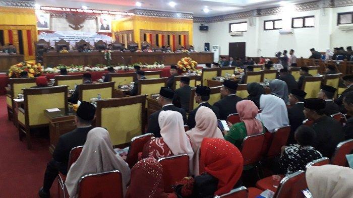Ketua PN Meulaboh Lantik 25 Anggota DPRK Aceh Barat, Polisi Kawal Ketat Sidang Dewan