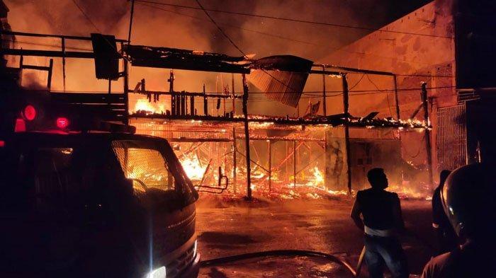 Enam Ruko di Kota Kualasimpang Ludes Terbakar Dinihari, Pemilik Selamat, Ini Kondisinya