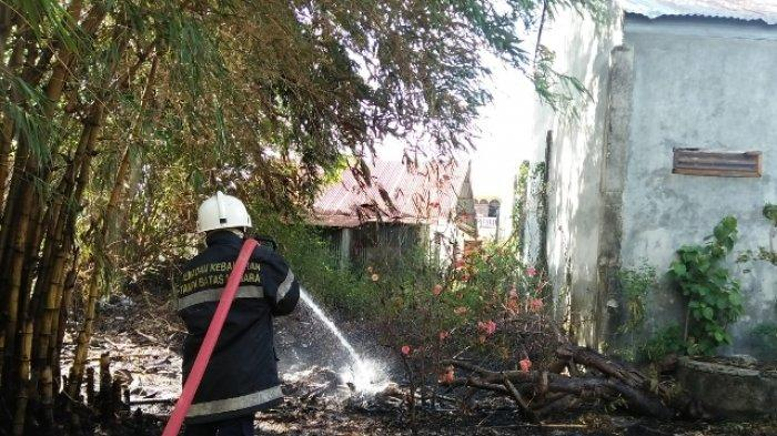 Lagi, Ilalang Terbakar di Permukiman Padat Penduduk Banda Aceh, Diduga Akibat Pembakaran Sampah