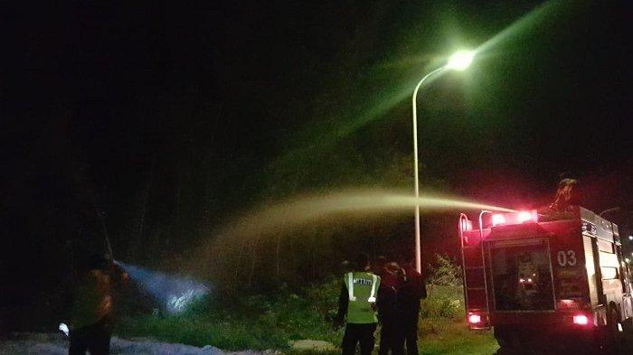 Lahan di Tepi Jalan Banda Aceh-Meulaboh Terbakar, Petugas Alami Kendala Pemadaman