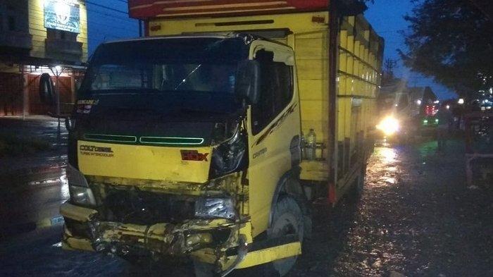 Kecelakaan Subuh Buta di Bireuen, Colt Diesel dan Isuzu Panther Tabrakan, Dua Luka Ringan