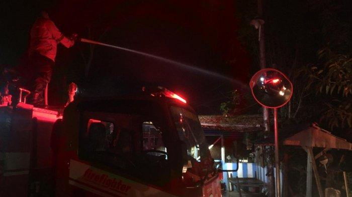 Kedai Kelontong Milik Warga Lamreh Darussalam Terbakar