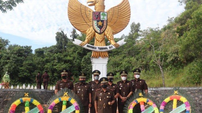 Hari Bhakti Adhyaksa, Kejari Lhokseumawe dan Aceh Utara Ziarah ke Makam Pahlawan