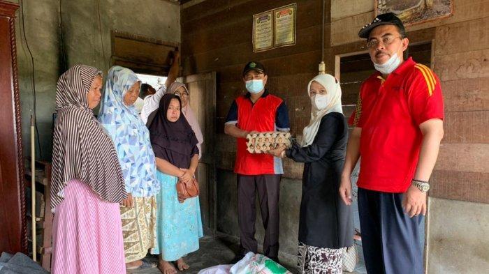 Aksi Sosial Pegawai Kemenag Aceh Barat Rehab Rumah Dhuafa