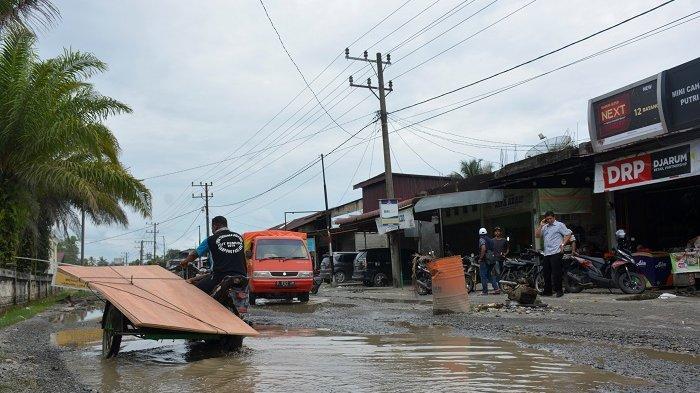 DPRA Sorot Kerusakan Jalan Lintas Meulaboh-Tutut, Ribuan Titik Lubang Bahayakan Pengguna Jalan