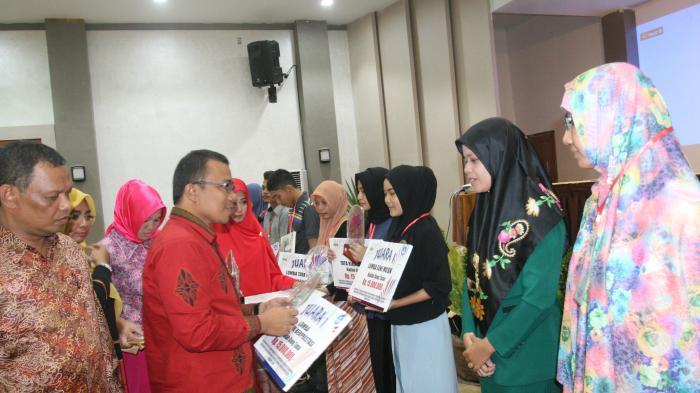 Banda Aceh Juara Apresiasi LKP dan Guru TK Berprestasi
