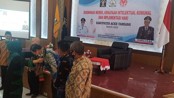 Motif Songket Khas Aceh Tamiang akan Didaftarkan ke HKI