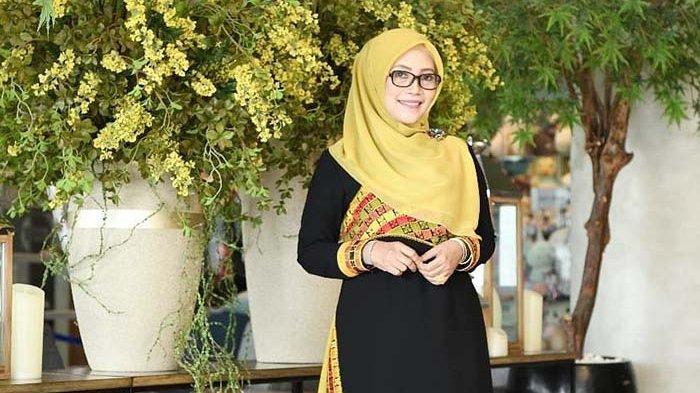 Ketua Dekranasda Dyah Erti Idawati Ingatkan Desainer dan Model Aceh Tetap Tampikan Identitas Daerah